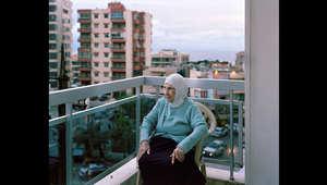 أجبرت بهيرة، 100عاما، على الفرار إلى عاصمة لبنان، بيروت، العام الماضي مع عائلتها. وهي تتوق للعودة إلى سوريا.
