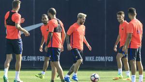 برشلونة يستهل حملة الدفاع عن لقبه بلقاء بيتيس