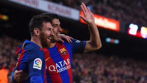 برشلونة يكتسح إشبيلية خلال ثمانية دقائق ويتصدر مؤقتا