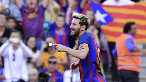 برشلونة يكتسح ديبورتيفو ويقترب من الصدارة