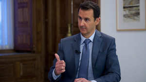 """الأسد: سليماني يظهر بسوريا في """"زيارات عادية"""" وحزب الله أصغر من التأثير على القتال.. السعودية """"مستبدة"""" وأردوغان سلطان"""