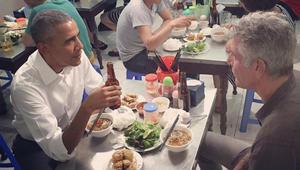 """الشيف والرئيس وفيتنام..في جلسة """"نودلز"""" من القلب"""