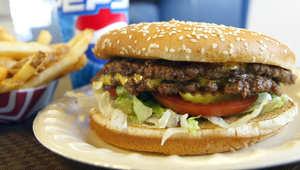 شركة أمريكية لتوزيع اللحوم تهدد سمعة مطاعم وجبات سريعة بالصين