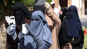 """انتشر هاشتاغ تحت عنوان """"لا لمنع النقاب"""" في مواقع التواصل الاجتماعي"""