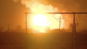بالفيديو: تصادم بين شاحنة تحمل غاز البروبان وقطار يوقع انفجارا ضخما في مينيسوتا
