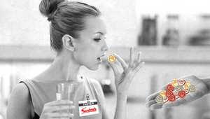"""هل تحب الحلوى وتبحث عن وظيفة؟ تخيل لو أنك تتقاضى المال لتذوق الحلوى، هذا هو بالفعل ما تعرضه وظيفة شاغرة لشركة """"Swizzles Matlow"""""""