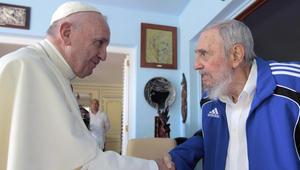 حرق جثة كاسترو.. والبابا يعد: سأصلي له