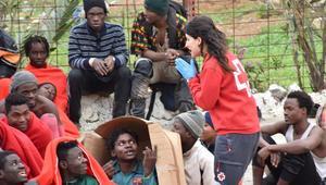 قرابة 500 مهاجر أفريقي يقتحمون سياج سبتة للوصول الى اسبانيا