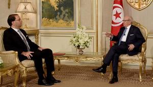 رئيس الحكومة التونسية يجري تعديلا موسعا ويستبدل عدة وزراء