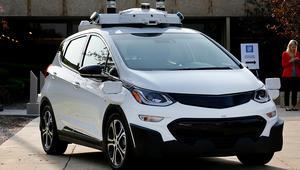 """هل تواجه """"جنرال موتورز"""" أكبر تحدٍّ لسياراتها الذكية؟"""