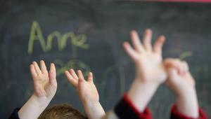 ما هي أهمية سلوك الوالدين في تربية الأطفال؟