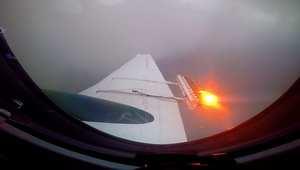 شاهد.. كاميرا CNN على متن طائرة لتلقيح السحاب
