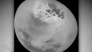 ناسا ترصد غيوم فوق أكبر أقمار زحل