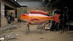 توابيت على شكل سيارة أو قارب أو حتى تمساح
