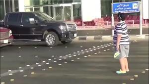 """الشرطة السعودية: إخلاء سبيل الصبي """"راقص الماكرينا"""" في جدة"""