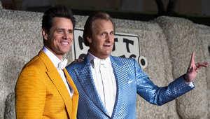 جيم كاري وجيف دانيالز خلال العرض الأول للفيلم في كاليفورنيا