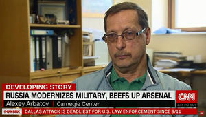 """مُشرع روسي سابق يشرح لـCNN تحركات الناتو وكيف تقابلها روسيا: الطرفان يستعدان دفاعيا لحرب إن وقعت ستكون """"غير مقصودة"""""""