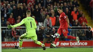 دي خيا ينقذ مانشستر من الخسارة أمام ليفربول في ديربي إنجلترا
