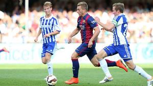 برشلونة يفتتح سوق انتقالاته باستعادة لاعبه الشاب من إيفرتون