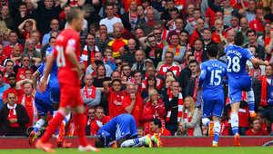 ديمبا يسجد شكرا لله تعبيرا عن فرحته بتسجيل هدف التقدم في مرمى ليفربول