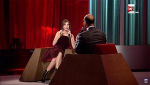 """نانسي عجرم تُحرج عمرو أديب لارتدائه """"كرفتة حمرا"""""""