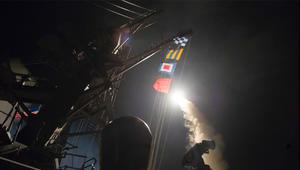 """أمريكا ترد على """"خان شيخون"""" بـ59 صاروخا ضد أهداف سورية"""