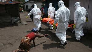 """آخر تطورات """"إيبولا"""".. حصيلة الوفيات تقفز لأكثر من 4000 من بين 8400 إصابة"""