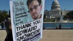إحدى المظاهرات المساندة لإدوارد سنودن أمام مبنى الكونغرس الأمريكي