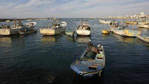 """مصر تؤكد إطلاق تونس سراح طاقم قارب الصيد """"أبو أشرف"""""""