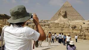 """تشديد ضوابط عمل الأجانب بمصر و""""استثناءات"""" لـ10 فئات"""