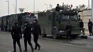 مصر.. 3 قنلى وعشرات الجرحى بتفجير حافلة أمنية بالدلتا