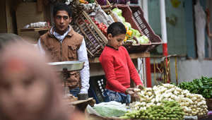 اليوم العالمي لليتيم: كيف نظرت الشريعة الإسلامية إلى اليتيم وأمواله وما عقوبة أكلها بالحرام؟