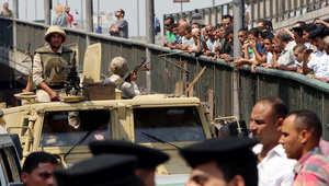 """مصر.. التعدي على منشآت الدولة """"جريمة عسكرية"""" والجيش سيستمر بالشارع لنهاية 2016"""