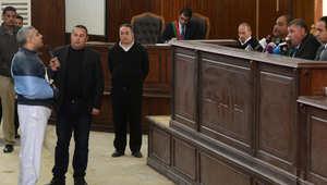 """تأجيل محاكمة """"خلية الماريوت"""" لـ22 أبريل وقرار بتسليم صحفي """"الجزيرة"""" فهمي جوازه الكندي"""