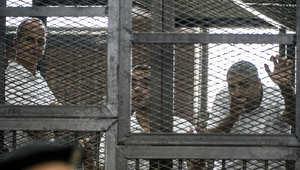 """مصر.. النقض تقبل طعن صحفيي الجزيرة المتهمين بـ""""خلية الماريوت"""" وتقضي بإعادة محاكمتهم"""