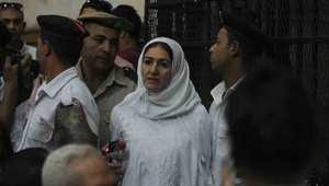 """تأجيل استشكال نجلي مبارك والحبس 4 سنوات لـ""""سيدة المطار"""""""