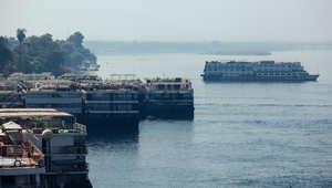 """مصر.. كارثة عقارية بأسيوط وتصادم باخرة سياحية بـ""""هويس إسنا"""" وتسمم جماعي في المنيا"""