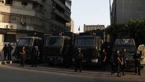 مصر.. استنفار بمحيط سفارتي أمريكا وبريطانيا بعد اشتعال النار بسيارة شرطة