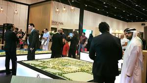 مصر تستعرض مشاريع عقارية بمؤتمر في دبي.. ووزير الإسكان: الاستثمار العقاري آمن حتى بعد تعويم الجنيه