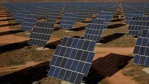 """بشراكة مع """"إيني"""" الإيطالية.. الجزائر تبني مركبًا لاستغلال الطاقة الشمسية"""