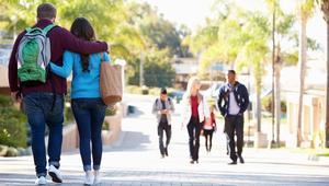 معظم طلاب الجامعات في أمريكا يتعرضونللمعاكسات