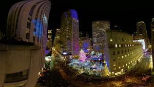 بتقنية 360 درجة.. لحظة إضاءة شجرة عيد الميلاد بنيويورك