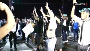 بالفيديو: إصابة 6 أمريكيين في مواجهات بين متظاهرين وشرطة أريزونا