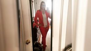 شاهد.. نساء أمريكا يرتدين البنطال الرسمي دعماً لهيلاري كلينتون