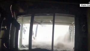 كاميرات مراقبة تظهر تأثير عاصفة على منزل بفلوريدا