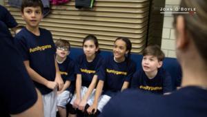 فريق كرة سلة يحارب العنصرية الجنسية بحركة مذهلة!