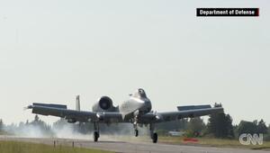 بالفيديو: طائرات عسكرية أمريكية تهبط على طريق سريع في إستونيا