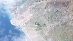انهيار أرضي ضخم يدفن طريقا ساحليا بكاليفورنيا