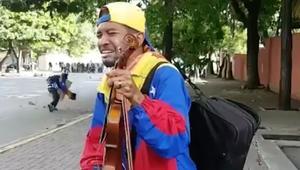 عازف الكمان يبكي