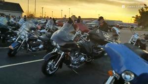 أكثر من 50 دراجة نارية ترافق طالبا لمدرسته